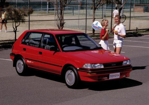 Toyota Corolla z 1987 roku
