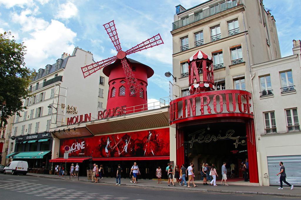Moulin Rouge w Paryżu (fot. Goddard_Photography / iStockphoto.com)