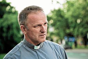 Potrzebny list Michnika i Mikołajewskiego do papieża. Ks. Lemański nie był pierwszy