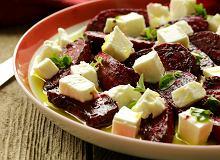 Sałatka z pieczonymi buraczkami i serem owczym - ugotuj