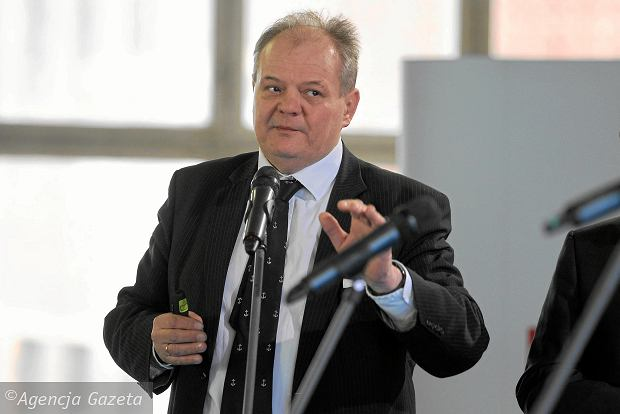 Biżuteria, cygara i droga bielizna kupowane za pieniądze PŻM? Komisarz Paweł Brzezicki znów oskarża