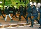 Niemcy: nocne starcia Kurd�w z islamistami. Na ulice wysz�o ponad 800 os�b, 23 s� ranne