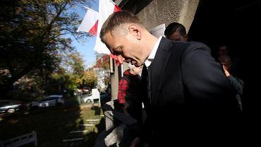 Sławomir Nitras przed lokalem wyborczym