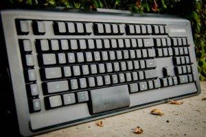 SteelSeries APEX M800 - mechaniczna klawiatura z wyjątkowymi przełącznikami