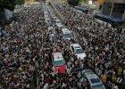 Protesty w Hongkongu - giełda traci, pozamykane biura