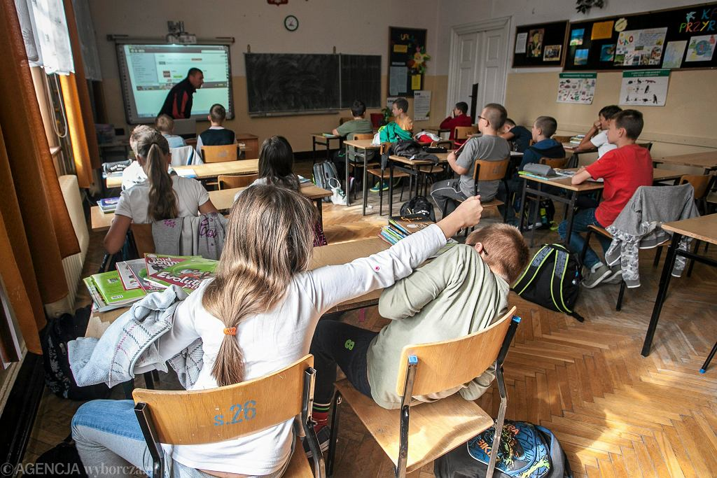'W stronę dojrzałości' to program, który niedługo poznają polscy uczniowie. Już teraz wzbudza ogromne kontrowersje
