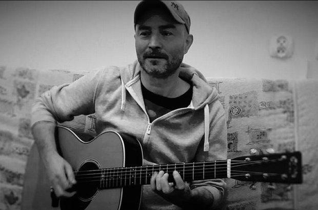 Członkowie zespołu Poluzjanci na swoim fanpage'u ogłosili smutną informację. Zmarł gitarzysta grupy Przemysław Maciołek.