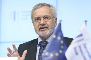 Polska dosta�a 700 mln euro kredytu na kluczowe inwestycje, kt�re wespr� gospodark�