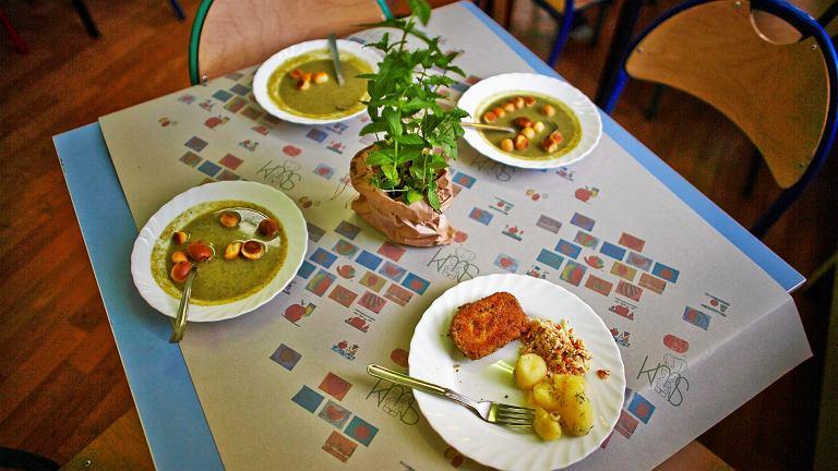 Stołówkowe jedzenie (zdjęcie poglądowe)