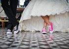 stylizacje ze sportowymi butami