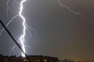 IMGW: Burze wystąpią dziś w całej Polsce. Gdzie teraz jest front burzowy? [SPRAWDŹ NA MAPIE]