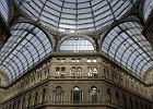 W�ochy Neapol - Galeria Umberta I / Shutterstock