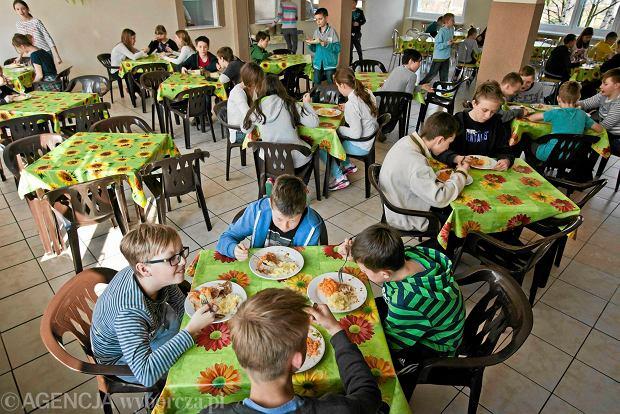 Drożdżówki wrócą do szkół. Jest nowe rozporządzenie w sprawie jedzenia w szkołach