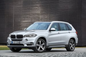 BMW X5 xDrive40e | Hybryda do walki z Audi Q7 e-tron