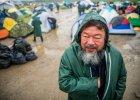 Ai Weiwei przywozi uchod�com fortepian. I donosi o desperacji na granicy grecko-macedo�skiej