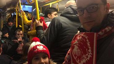 Damian Stępień, katowicki radny, jedzie z córką na mecz na Stadionie Śląskim