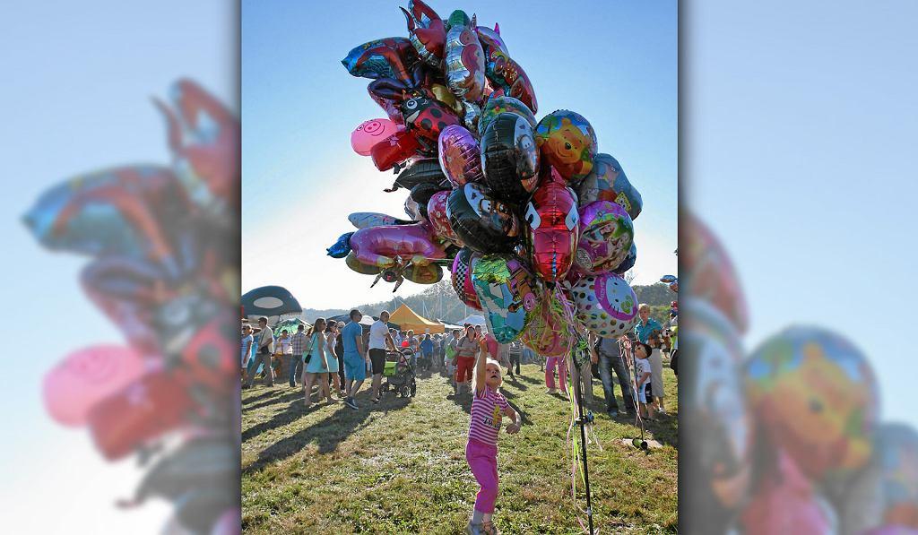 Powszechnie dostępne balony z helem mogą być szalenie niebezpieczne dla naszych dzieci.