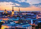 Tallinn. Stolica Estonii i port w Zatoce Fi�skiej, jeden z najwi�kszych port�w ba�tyckich. Z Tallinna odp�ywaj� promy pasa�erskie na drugi brzeg Ba�tyku w kierunku m.in. Sztokholmu, Helsinek i Wysp Alandzkich.