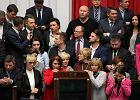 Jedna pięść Kukiza i Kaczyńskiego. Wspólnie pozbędą się marszałków opozycji?