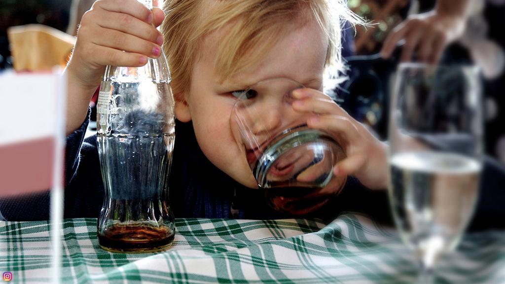 Dzieci w żłobkach piją zbyt duże ilości słodkich napoi.