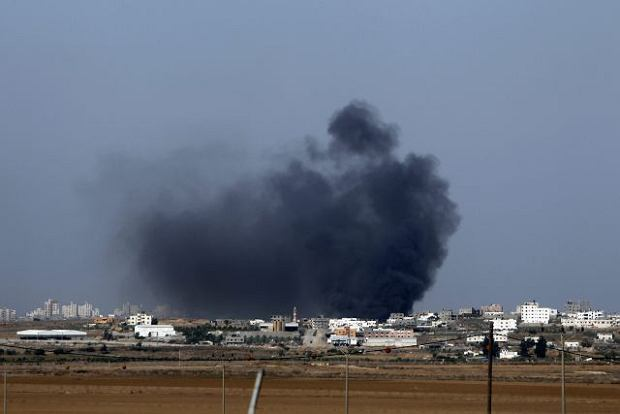 Od rana k��by dymu nad Gaz�. Syreny alarmowe w Jerozolimie. Izrael i Palestyna na granicy wojny?