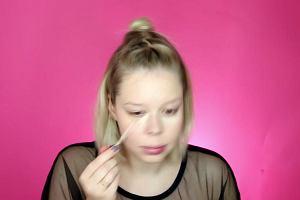 """Utrwalanie makijażu przez zanurzanie twarzy w zimnej wodzie? Testujemy koreański trik """"jamsu"""""""