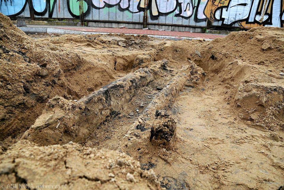 Na elementy bramy do białostockiego getta natrafiła ekipa przebudowująca ulicę Czystą