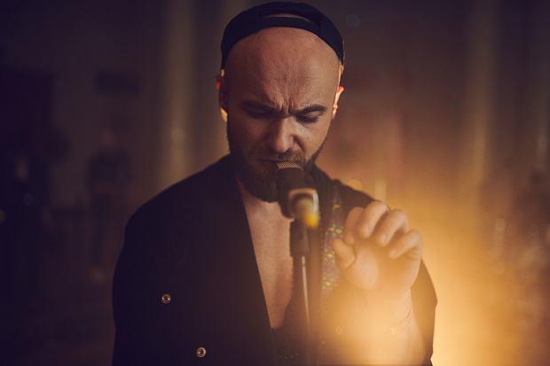 """Buslav zapowiada nowy materiał utworem """"Burning Low"""""""