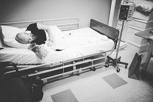"""Aktorka z """"Beverly Hills 90210"""" pokazuje w sieci swoją walkę z rakiem piersi"""