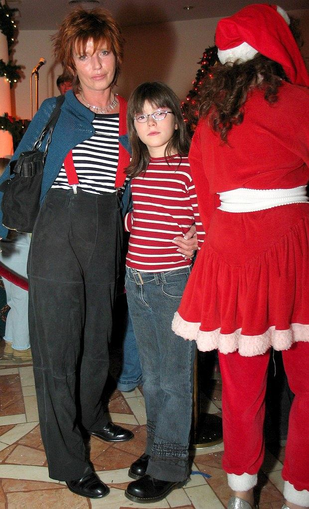 Matylda Kirstein, Ewa Sałacka, córka, matka