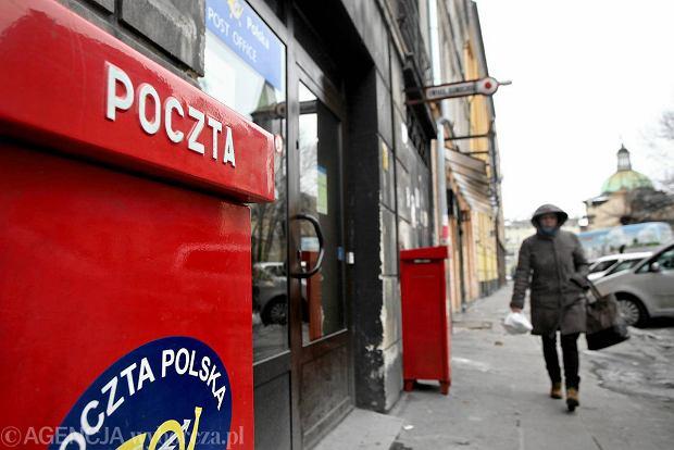 Poczta Polska wysyła do opolanki wezwania do zapłaty abonamentu z czasu sprzed jej narodzin