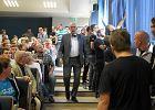 Tzw. wyk�ad Korwin-Mikkego w Szczecinie: Wasze c�rki trafi� do haremu
