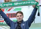 Tomasz Lis zabra� c�rk� na mecz i gor�co kibicowa� Legii. Co robi�a w tym czasie Pola?