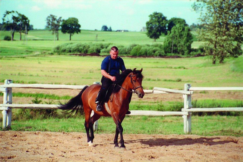 Doskonalenie umiejętności jeździeckich w wolnym czasie (fot. archiwum prywatne)