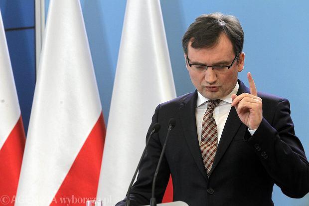 """""""Gazeta Polska Codziennie"""" zlustrowa�a 80-letniego ojca s�dziego. Zmar� po artykule. Reakcja Ziobry?"""