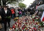 Po zamachach w Pary�u gesty solidarno�ci w Warszawie. Pa�ac Kultury w kolorach Francji