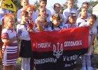 """Hymn, a potem: """"S�awa Ukrainie, S�awa nacji, �mier� wrogom!"""" Ukraina sformowa�a """"dzieci�cy batalion"""""""