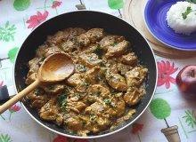 Kurczak w sosie śmietanowym z pieczarkami - ugotuj