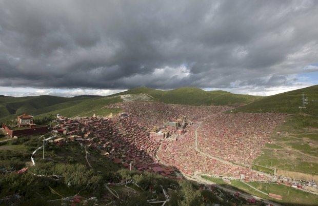 Larung Gar - niezwyk�e miasto mnich�w w Tybecie