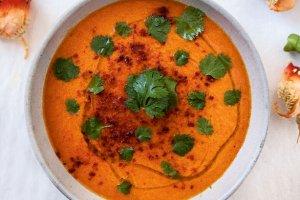 Zupy na chłodne dni - gęste, aromatyczne, pikantne. Rozgrzej się!