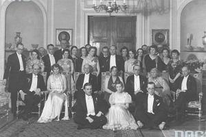 Polowania, przyjęcia, śluby i pogrzeby - codzienność przedwojennej arystokracji?
