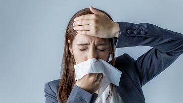 Alergiczny nieżyt nosa często objawia się wiosną i latem
