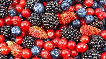 Kupujesz zebrane w lesie jagody, poziomki, borówki, grzyby? Myj je dokładnie