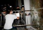Protesty w Hongkongu mia�y si� ju� ko�czy�. Dosz�o jednak do gwa�townego incydentu