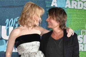 """Nicole Kidman z ka�dym wyj�ciem przera�a nas coraz bardziej. Co si� dzieje z jej nosem? """"Twarz aktorki i jej m�a zlewaj� si� w jedn�"""""""