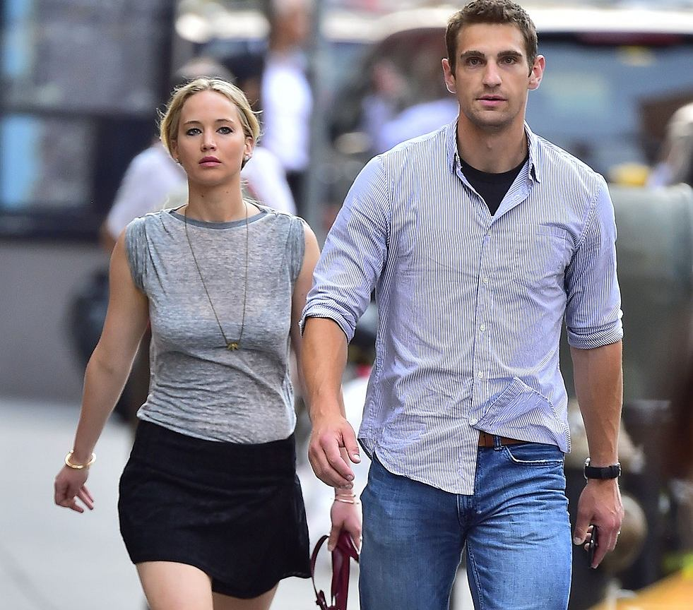 who is jennifer lawrence dating 2015 Jennifer lawrence dating history j law is among the rare breed of celebrities who like to keep their personal life personal, she does not say much about her dating life so it's time to glean what we can from the rumor mill and every other mill there is out there.