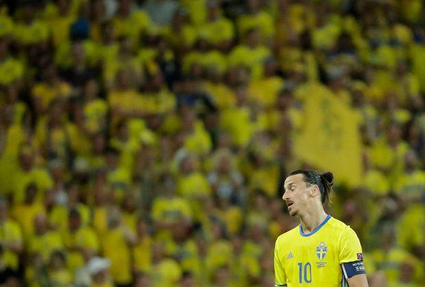 Mistrzostwa świata w piłce nożnej 2018. Szwecja - Szwajcaria. Zlatan Ibrahimović ogląda mecze w telewizji, a Szwecji brakuje skuteczności