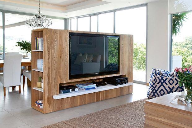Telewizor w salonie - gdzie go umieścić, jak zaaranżować?