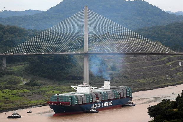Otwarto rozbudowany Kanał Panamski. Szlak dla nowych kontenerowców