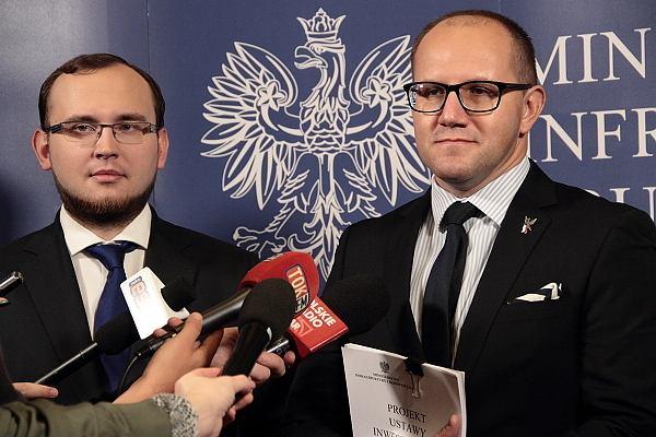 Wiceminister Tomasz Żuchnowski prezentował ustawę inwestycyjną